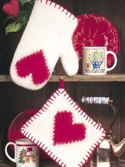 Heartfelts Oven Mitt & Pot Holder photo