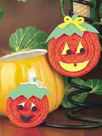 Knit Cord Pumpkin Face Magnets photo