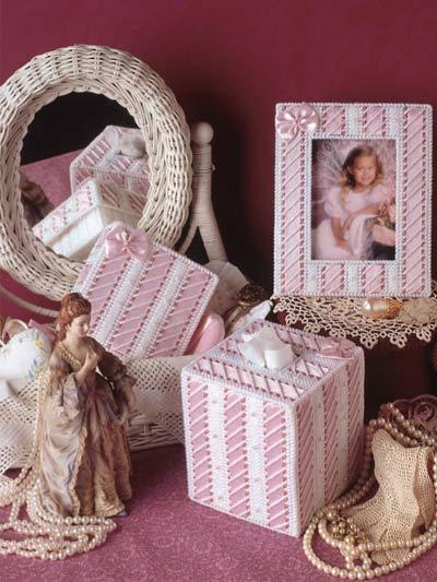 Ribbon Dresser Set photo