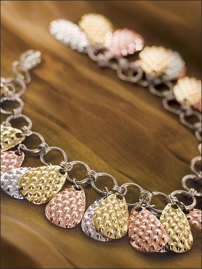 A-Luring Bracelet photo